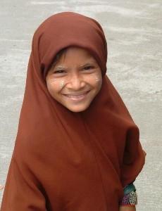 109261-Burmese-Muslim-girl-0