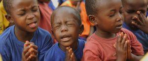 children-praying